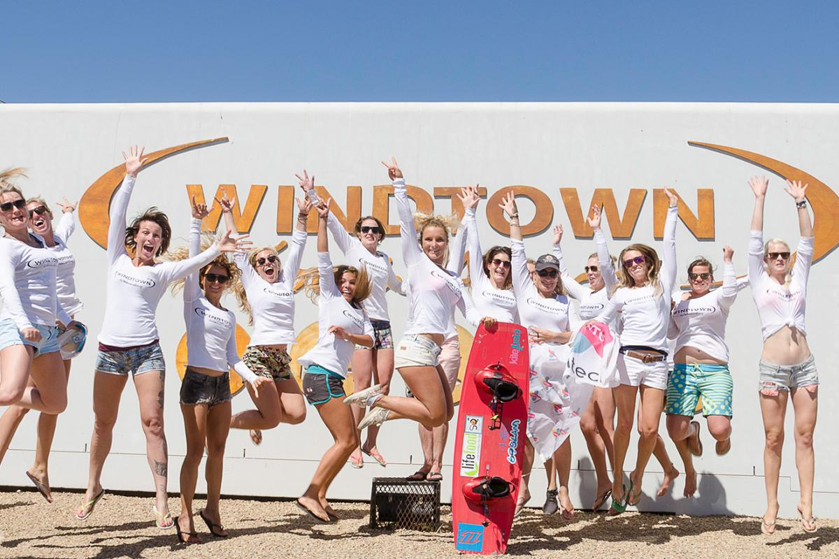 Kitechix Windtown Group Picture | Kiteschool Windtown.com